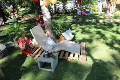 Concrete lounge chair and side table